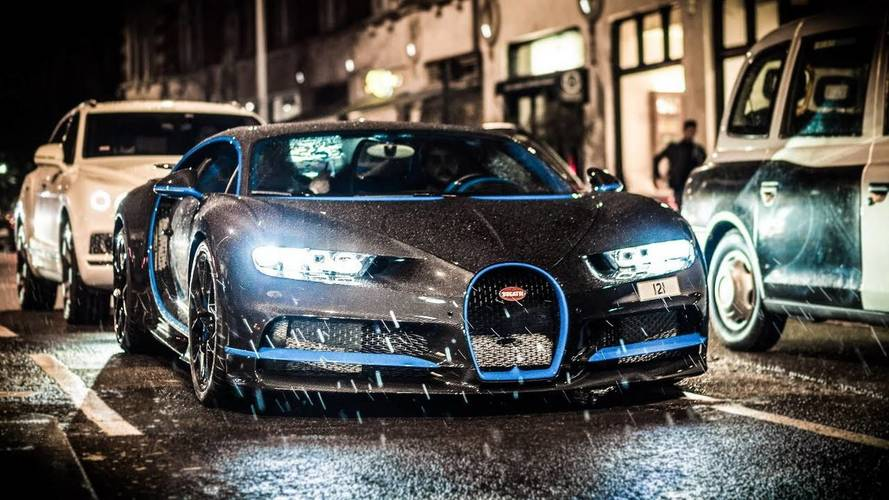 Bugatti Chiron With Naked Carbon Fiber Body Looks Menacing