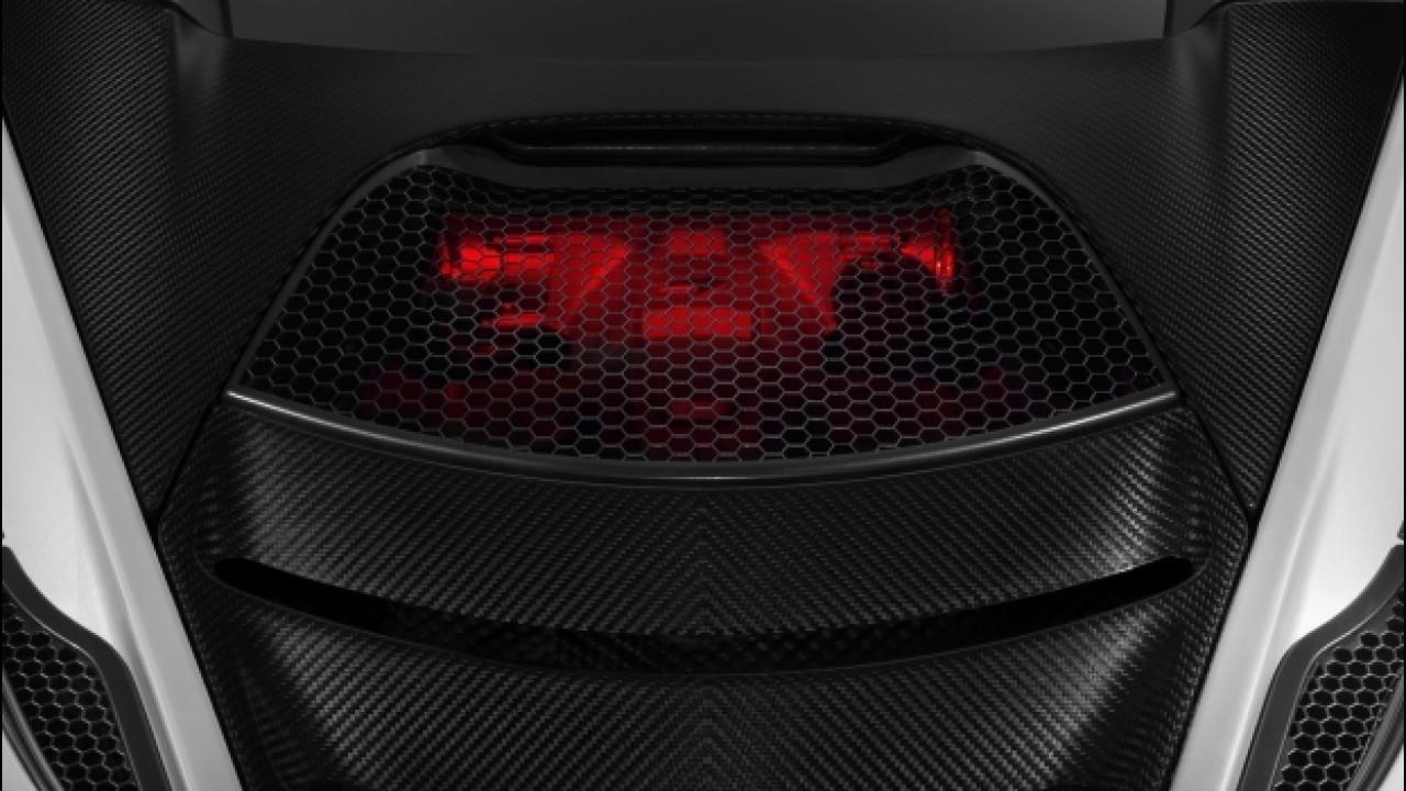 [Copertina] - Seconda generazione McLaren Super Series, motore con vista