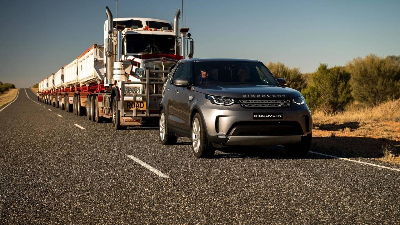 El Land Rover Discovery y el convoy de 110 toneladas (2017)