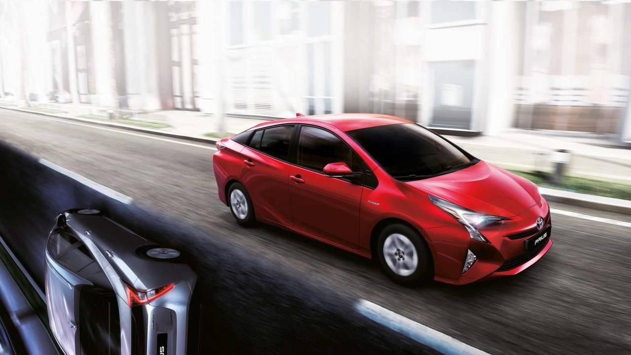 3. Toyota Prius 1.8 Plug-in Hybrid ✶✶✶✶✶