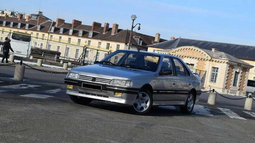 Une Peugeot 405 Mi16 et 205 GTi à vendre aux enchères !