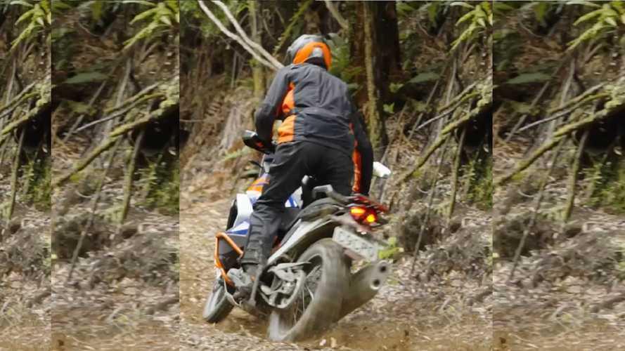 KTM, in arrivo una nuova Adventure [Video]