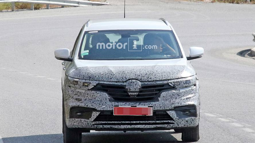 Renault Koleos facelift spy photos