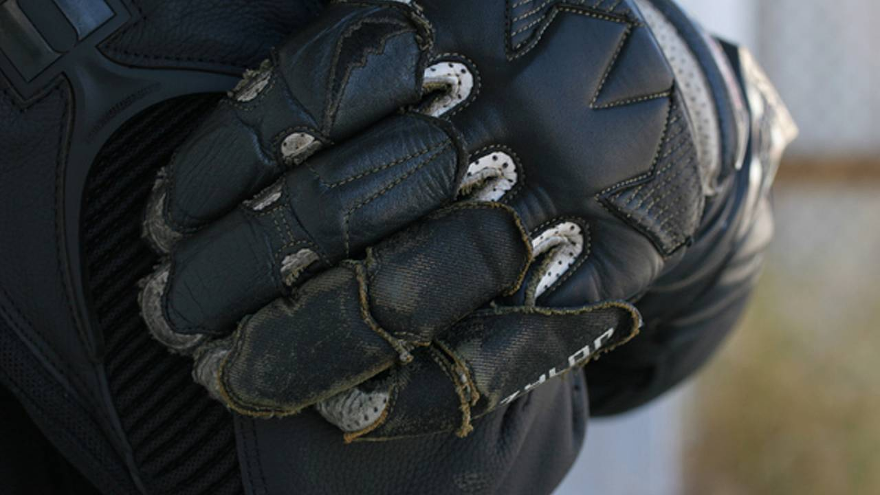Gear: Kushitani GPR5 gloves