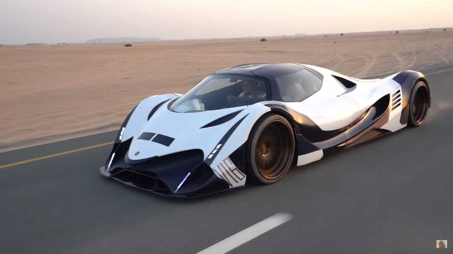 See The Devel Sixteen Stampeding Desert Roads Outside Dubai