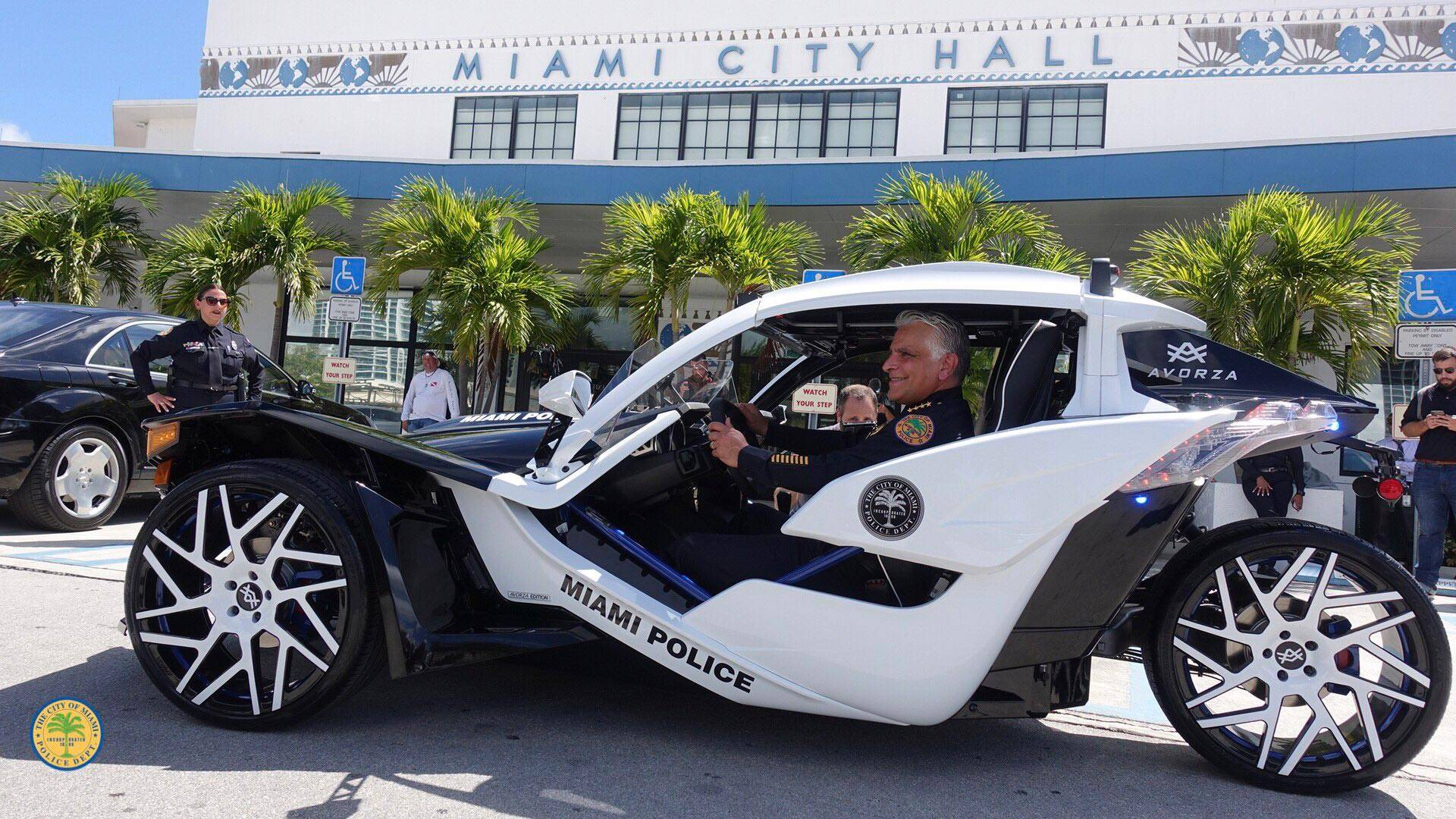 Polaris Sling Shot >> Polaris Slingshot Joins Miami Pd Will Cruise South Beach Soon
