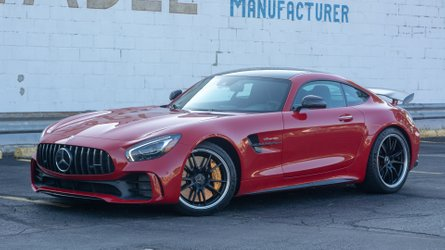 2018 Mercedes-AMG GT R Review: Challenging The Standard