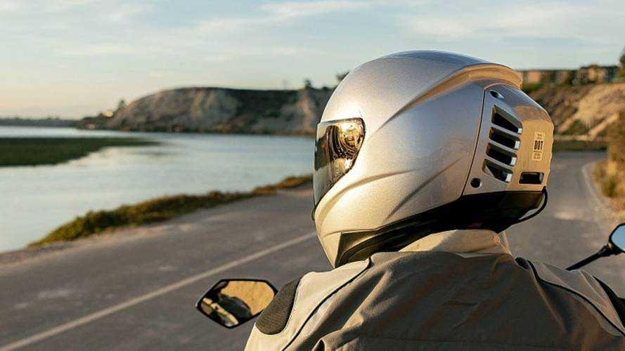 Motosikletlilere müjde: Soğutmalı kask üretildi