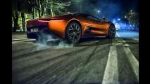 Jaguar Land Rover, James Bond Spectre'nin Otomobillerini Tanıttı