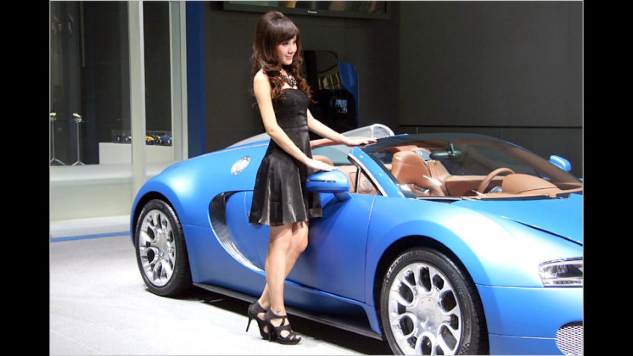 ... und Bugatti! Da weiß man gar nicht, wohin man zuerst schauen soll