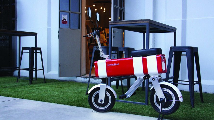 This electric mini motorbike is simplicity at its best