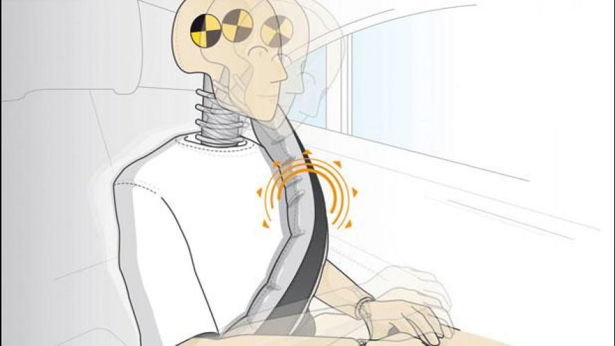 L'airbag nelle cinture di sicurezza posteriori delle Mercedes