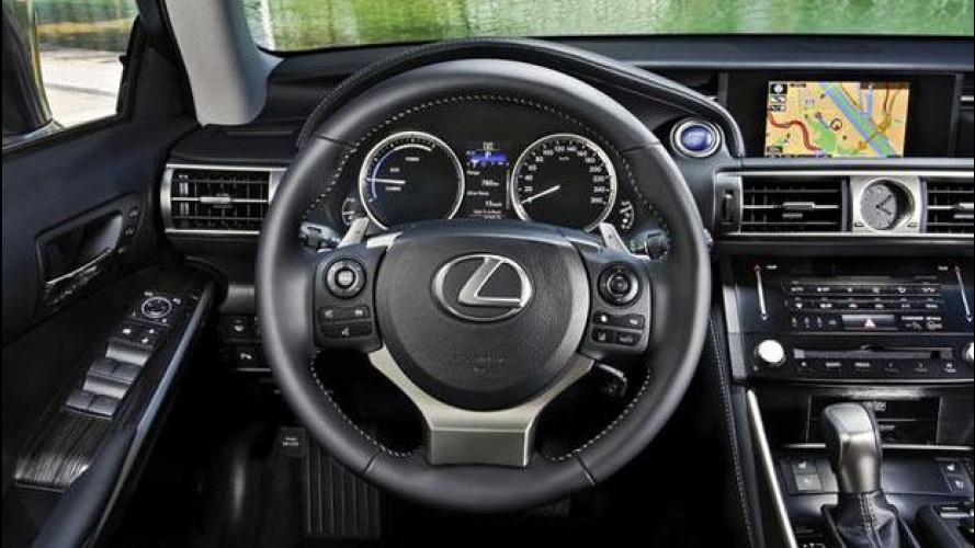Nuova Lexus IS Hybrid, la navigazione si appoggia a Google