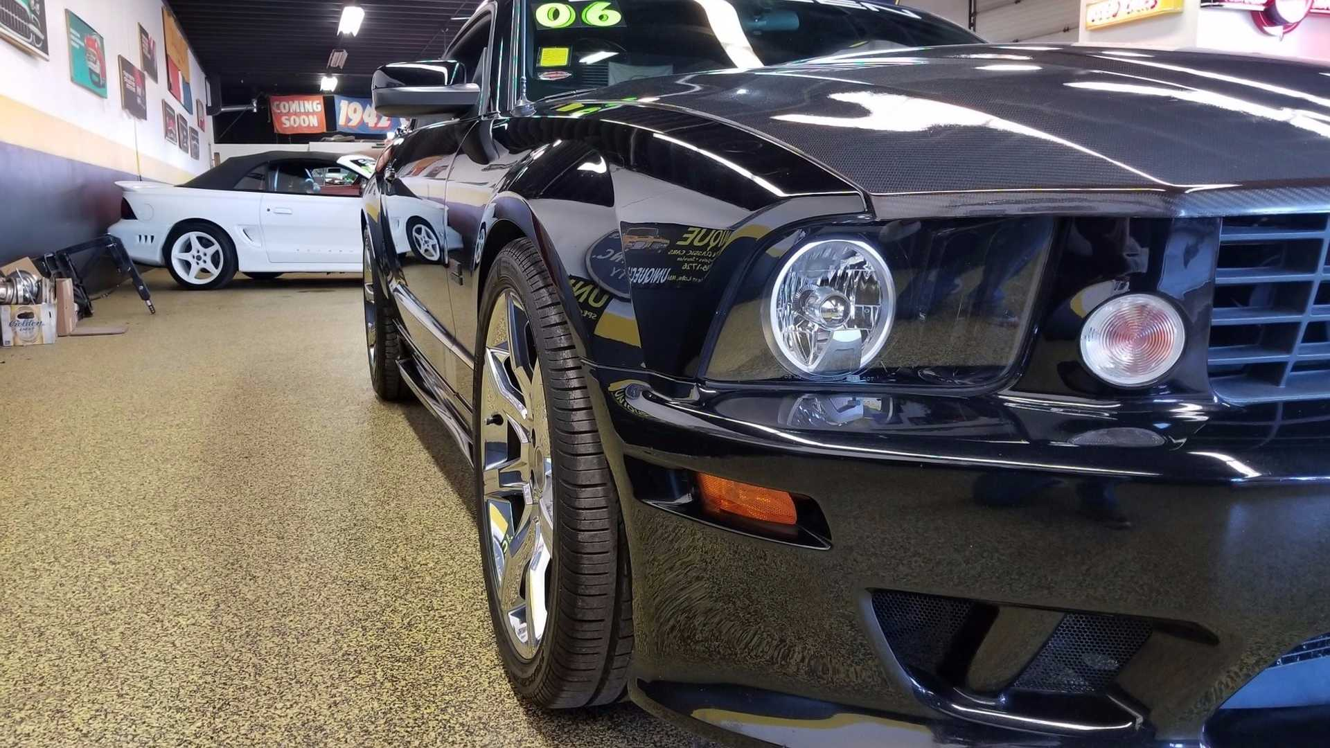 "[""Ford Mustang Saleen""]"