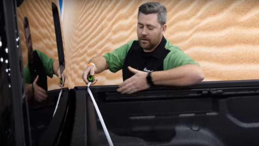 2019 Jeep Gladiator'ın kasası bir video ile detaylandırıldı
