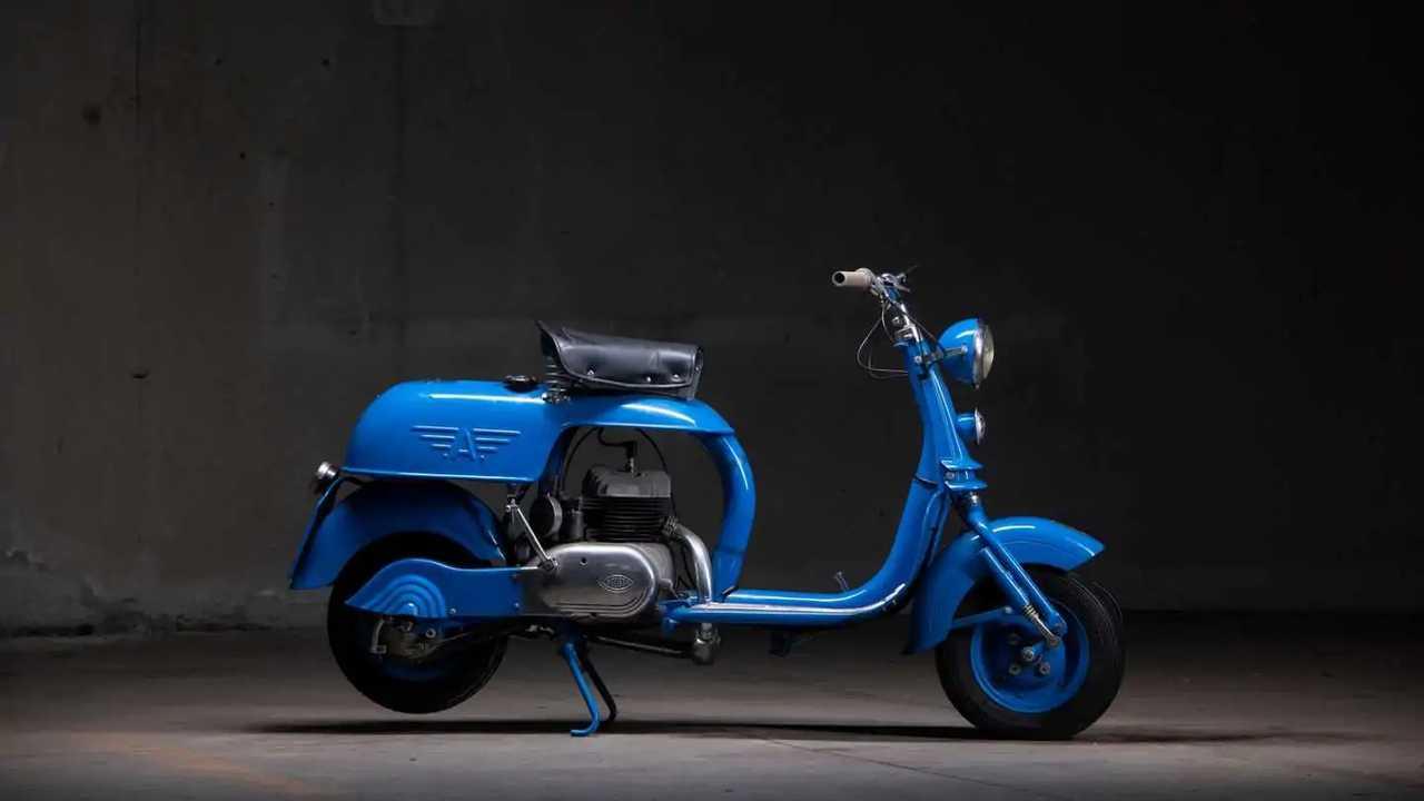201 - 1952 MV Agusta Scooter Everywhere