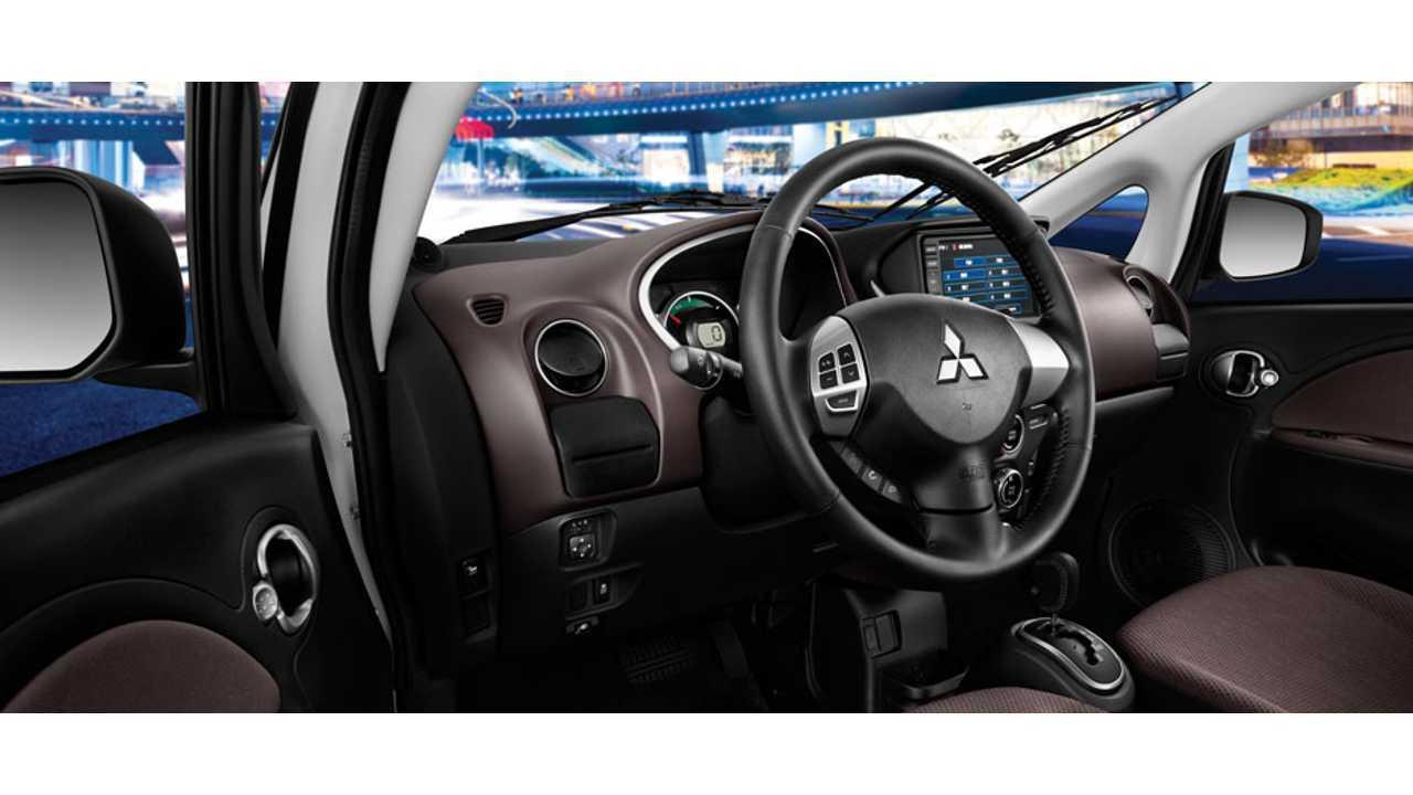 2013 Mitsubishi i-MiEV Interior