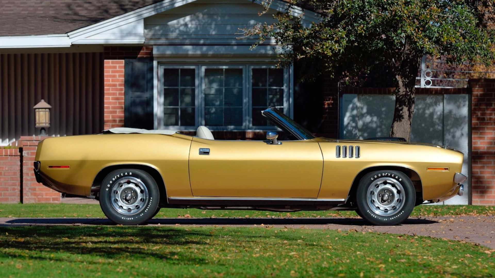 "[""One-of-Five Six Pack 1971 Plymouth Cuda Convertible""]"