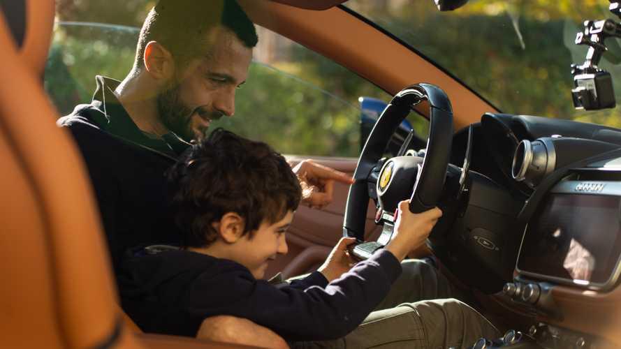 Ferrari V12, aquí está el efecto que tiene en un niño