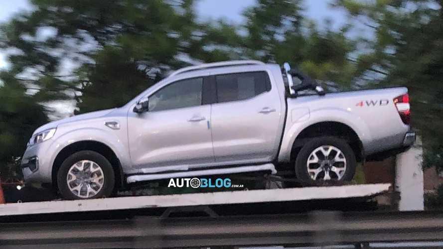Flagra: Renault Alaskan argentina está pronta, mas lançamento no Brasil ainda é incógnita