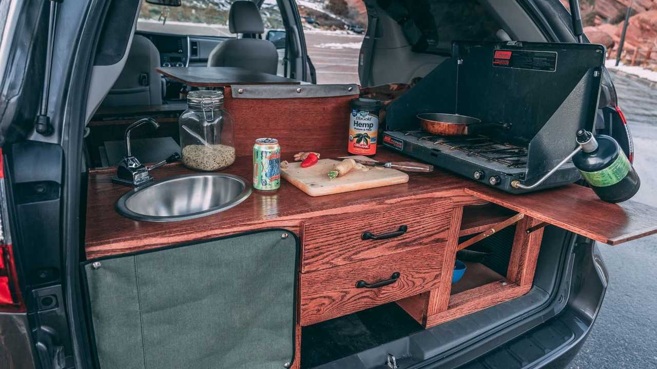 Nifty Minivan Camper Conversions Maximize Space Efficiency