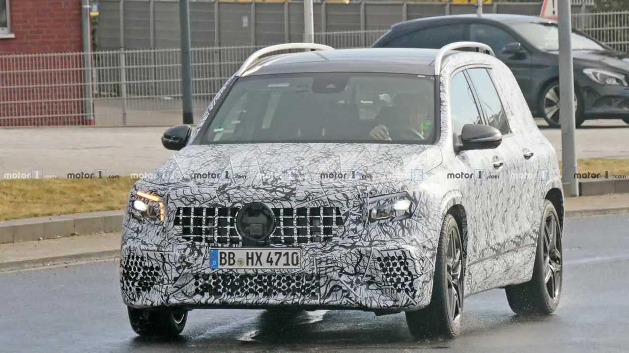 Mercedes-AMG GLB 35 casus fotoğraf