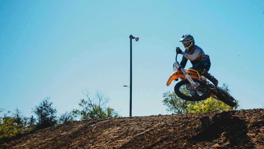Che rumore fa un motocross elettrico? [VIDEO]