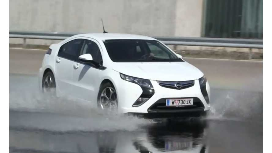 BMW i3, Tesla Model S, Nissan LEAF, VW e-Up!, Opel Ampera And Mitsu i-MiEV Extreme Water Testing - Video