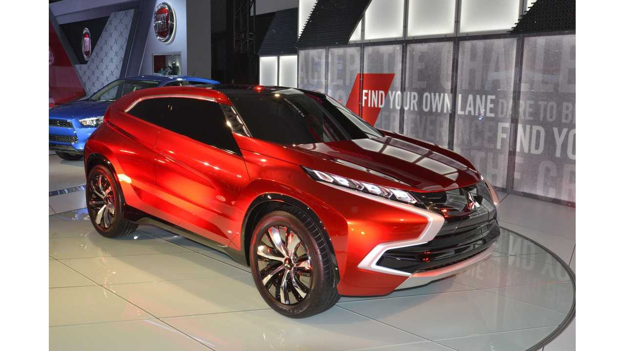 Mitsubishi XR-PHEV At 2014 LA Auto Show - Images