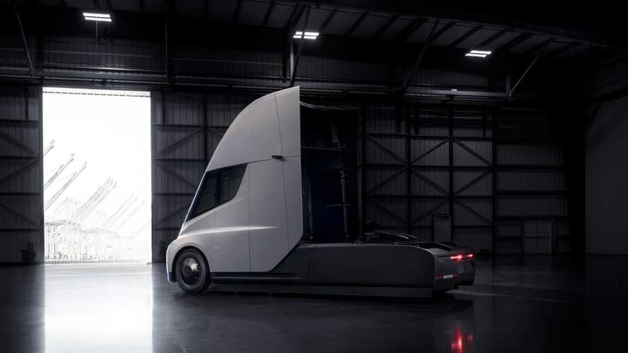 Tesla Semi Qualifies For $60,000 Discount In Ontario, Other Electric Trucks Too