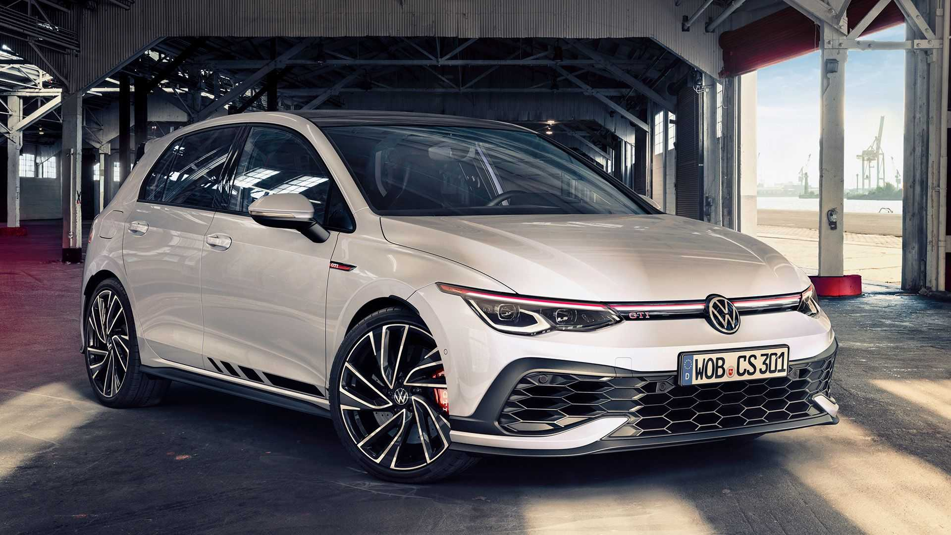 Vw Golf Gti Clubsport Revealed With Nearly 300 Hp Still Fwd