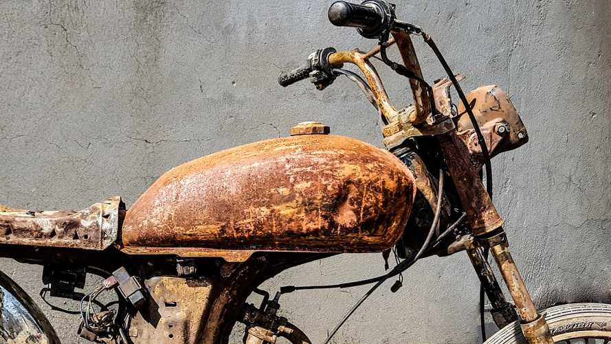 This Gas Tank Restoration Is ASMR For Bikers