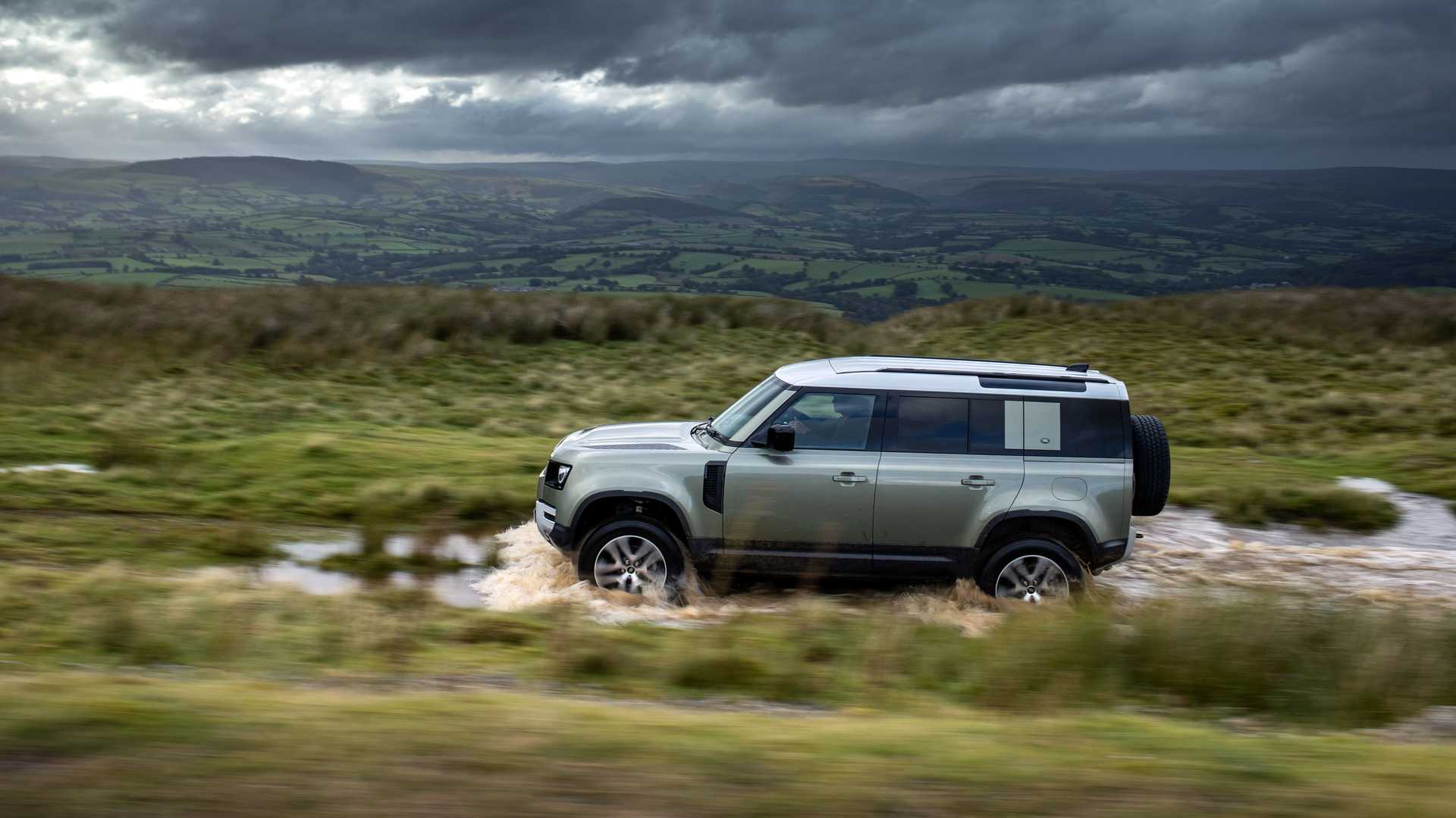 Land Rover Defender (2021): Nun auch als Plug-in-Hybrid P400e