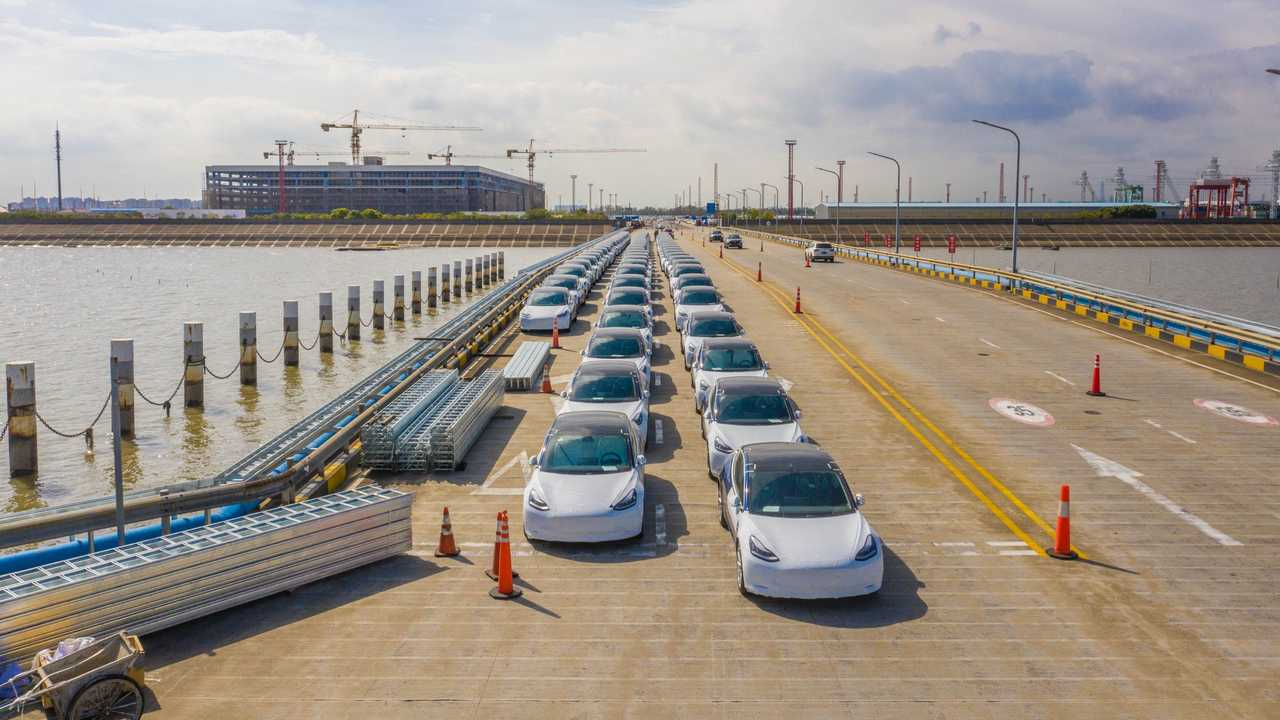 First shipment of Made-in-China Tesla Model 3 from Tesla Giga Shanghai to Europe - October 2020
