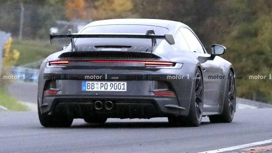 Porsche 911 GT3 Spied Up Close