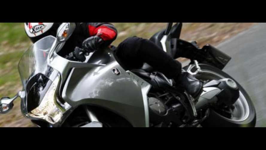 Honda VFR1200F Dual Clutch Transmission - TEST