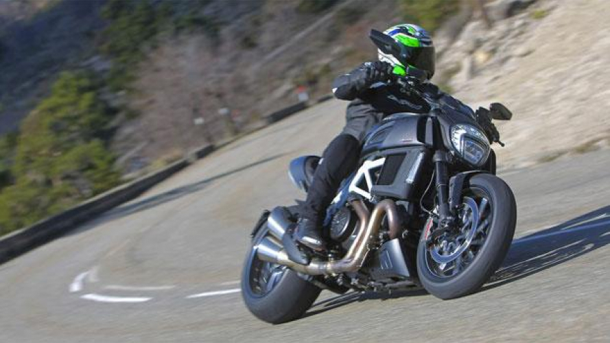 Ducati Diavel model year 2015 - VIDEO TEST