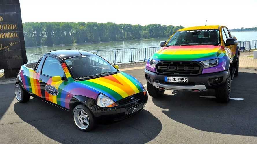 "Ford ""Very Gay Raptor"" im Kölner CSD"