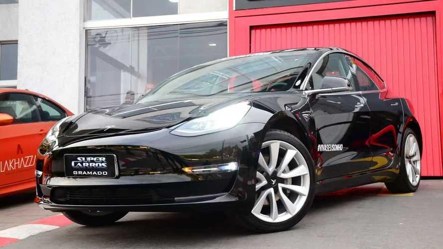 Test drive acessível: Super Carros traz Tesla e Ferrari Portofino