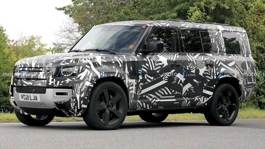 Land Rover Defender 130 erstmalig als Erlkönig erwischt