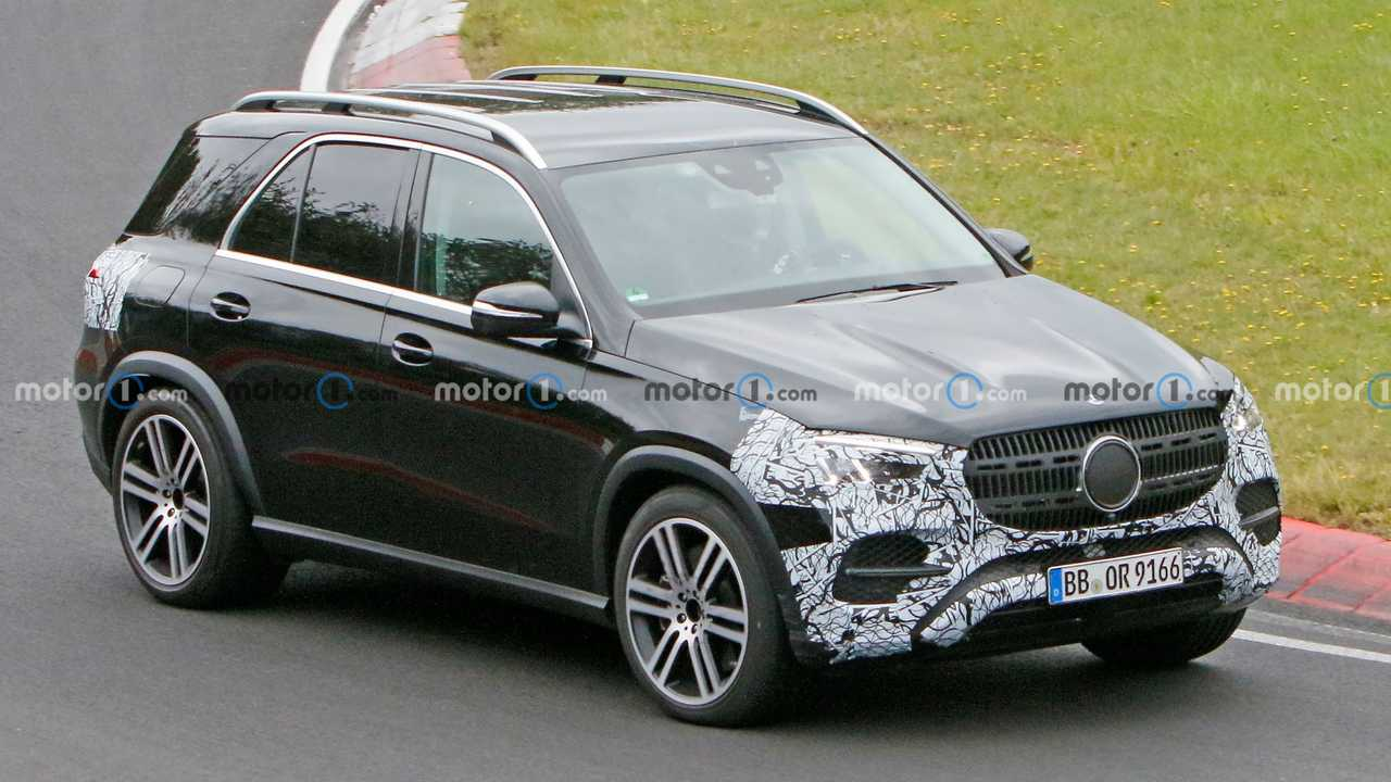 New 2023 Mercedes-Benz GLE-Class spy photos.