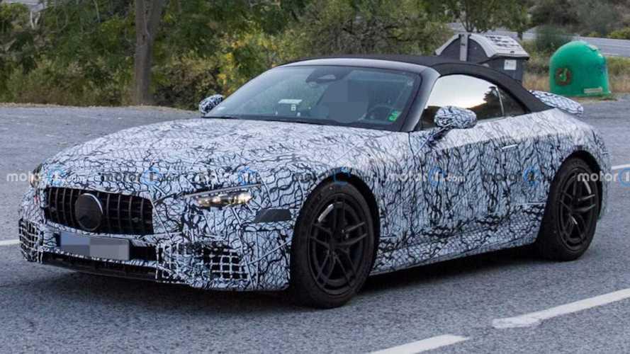 Новый «розеточный» Mercedes-AMG SL замечен на тестах