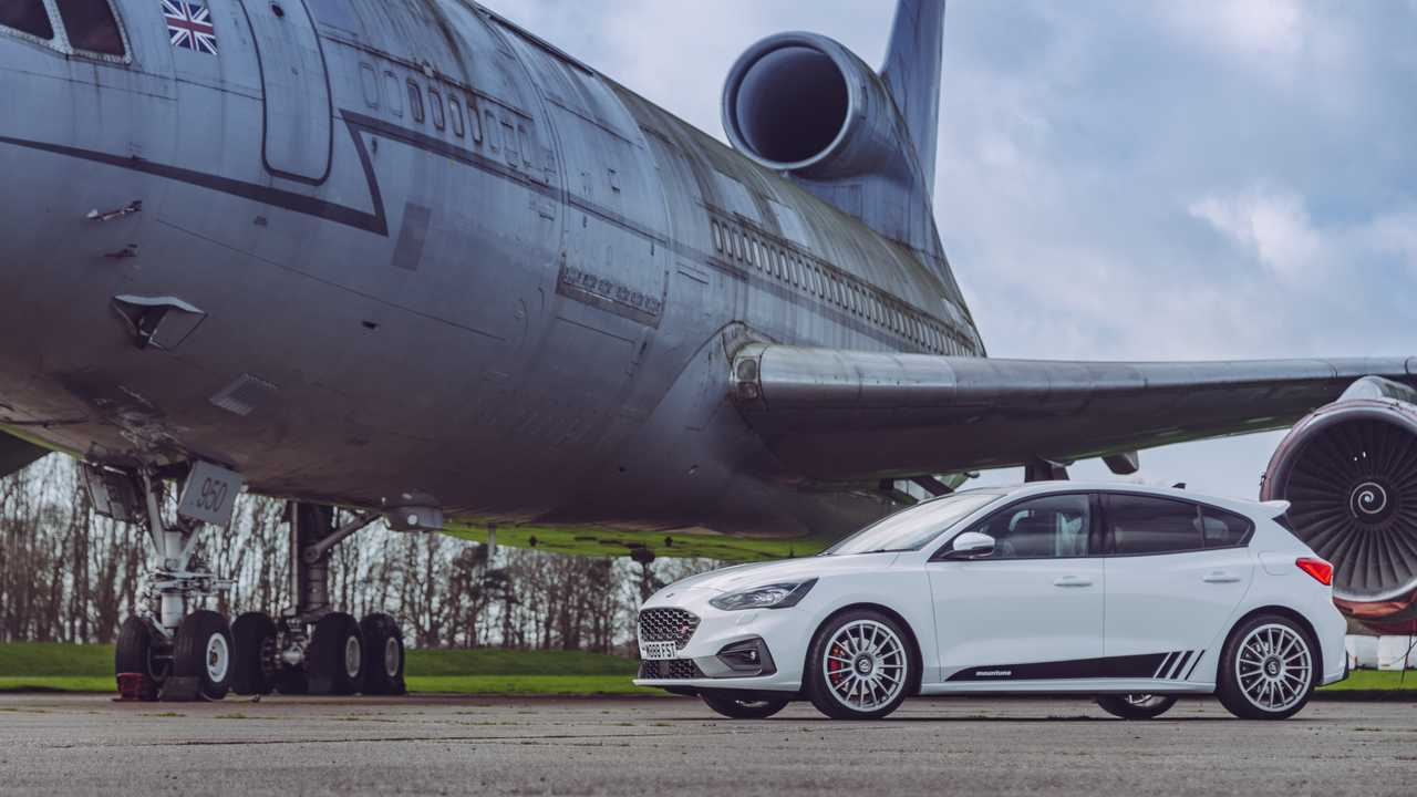 Mountune Modifiyeli 2020 Ford Focus ST