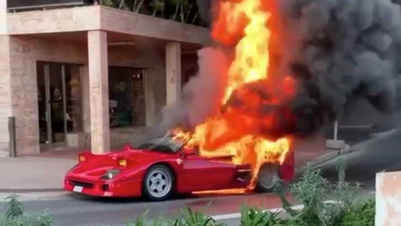 Burning Ferrari F40