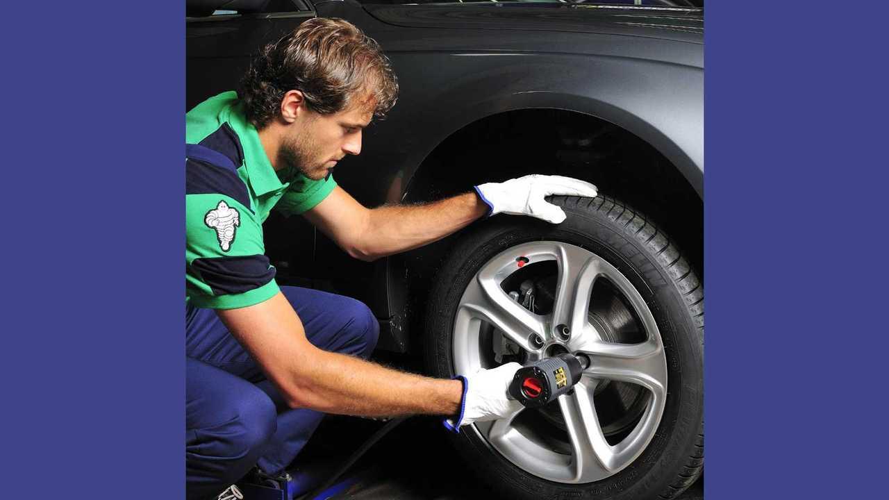 Reifenwechsel (Quelle: Michelin)