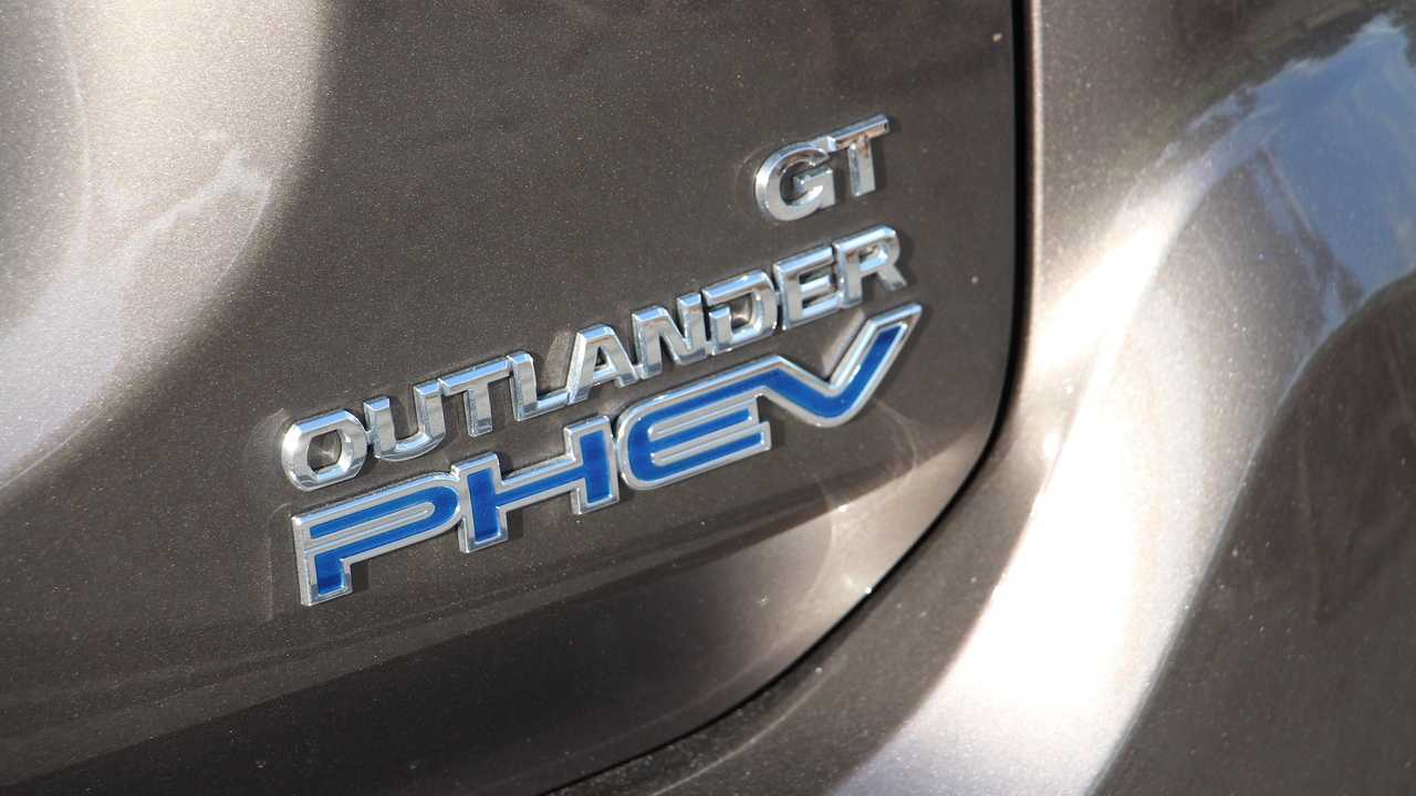 2019 Mitsubishi Outlander PHEV: Pros And Cons