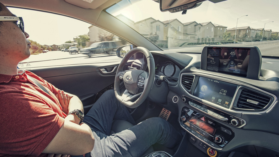 Washington Valisi otonom otomobil testlerine izin verdi