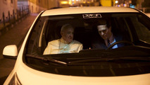Le Pape François en Nissan Leaf