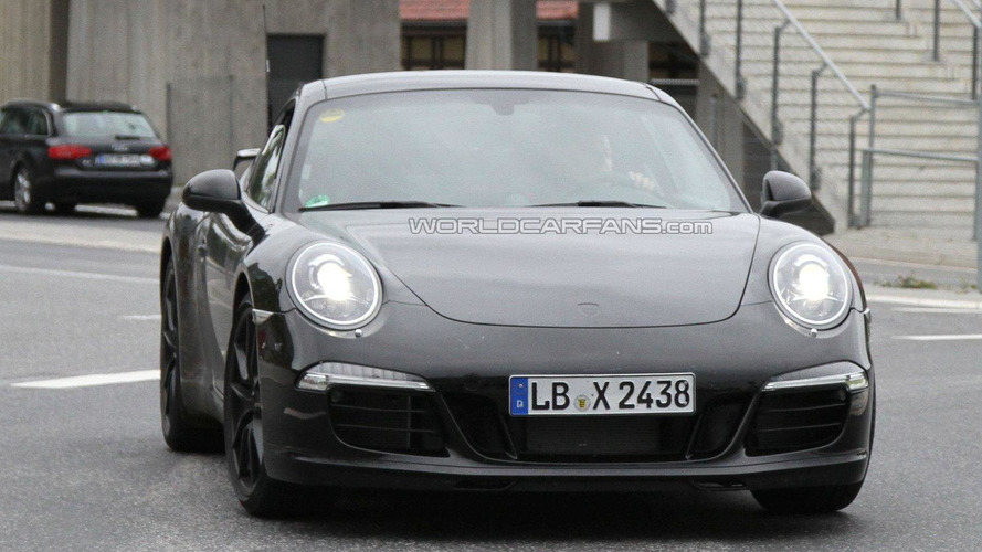 Hot 2012 Porsche 911 variant spied with rear wing?