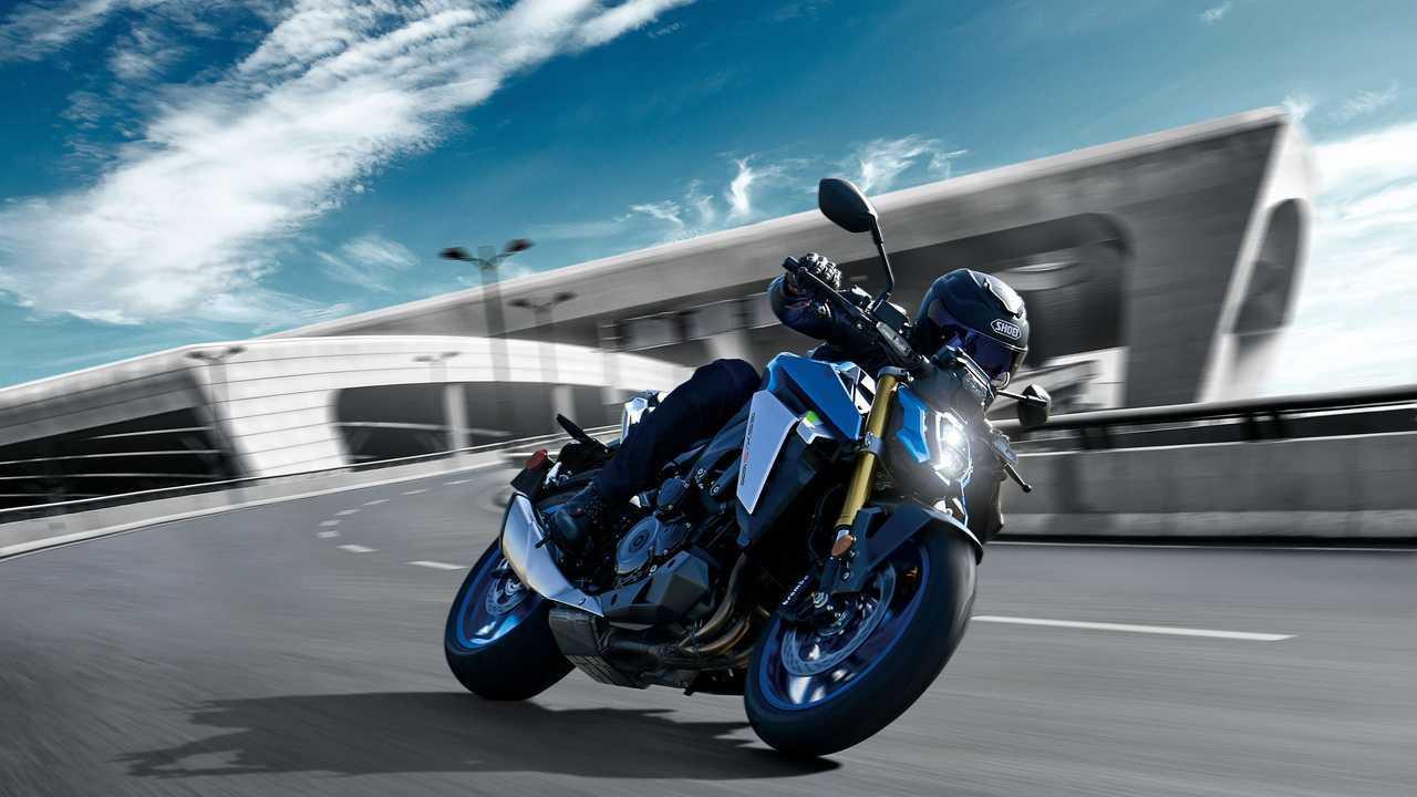 2022 Suzuki GSX-S1000 - Track